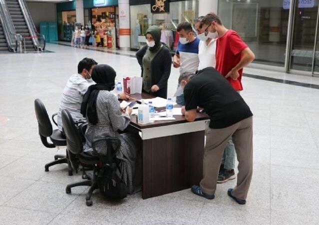 Karabük'te alışveriş merkezinde randevusuz aşı