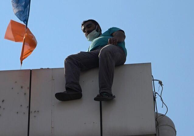 49 kez çatıya çıkan şahıs bu sefer Bursa'da intihar etmeye çalıştı