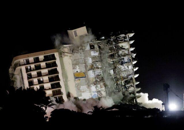 Miami'de çöken bina