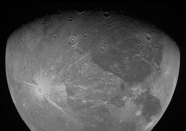 Jüpiter'in en büyük uydusu Ganymede
