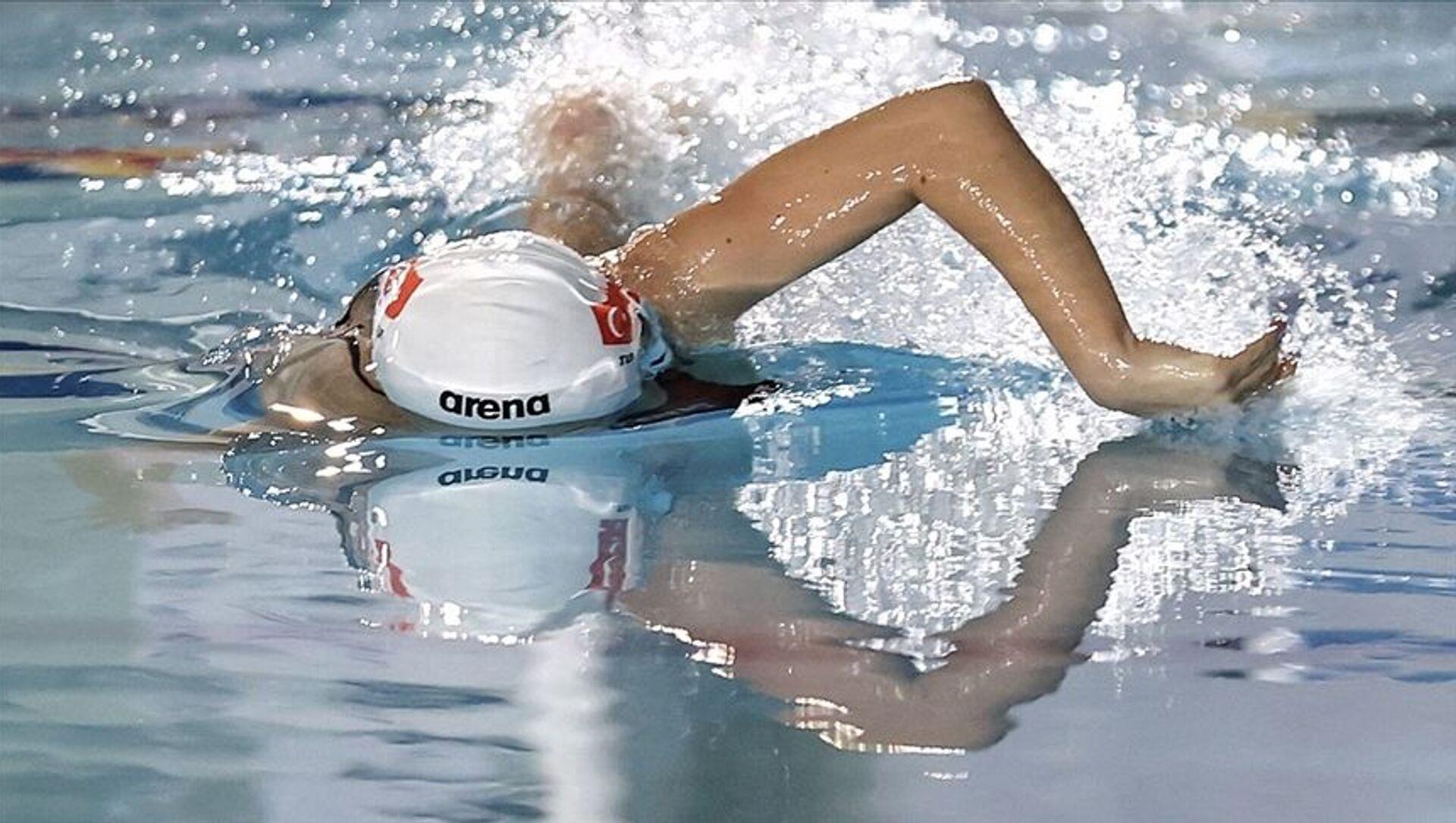 2020 Tokyo Olimpiyat Oyunlarında milli yüzücü Defne Taçyıldız yarı finalde - Sputnik Türkiye, 1920, 27.07.2021