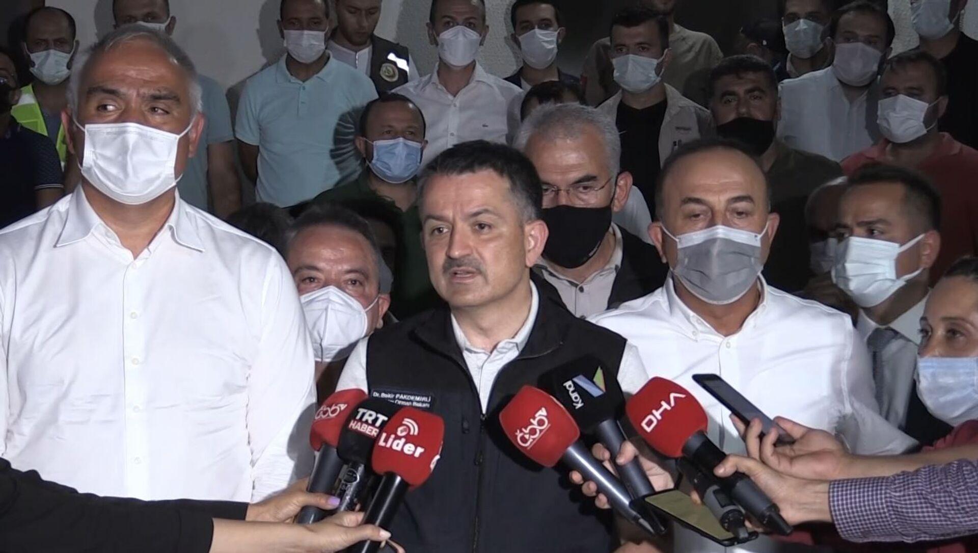 Tarım ve Orman Bakanı Bekir Pakdemirli - Sputnik Türkiye, 1920, 29.07.2021
