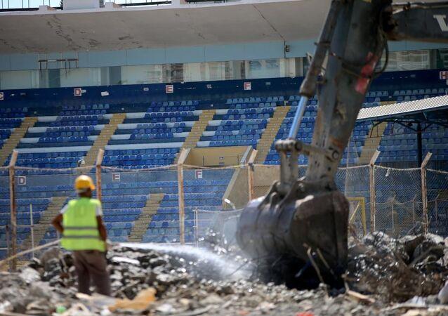 Yıkılan 5 Ocak Fatih Terim Stadı, Adana