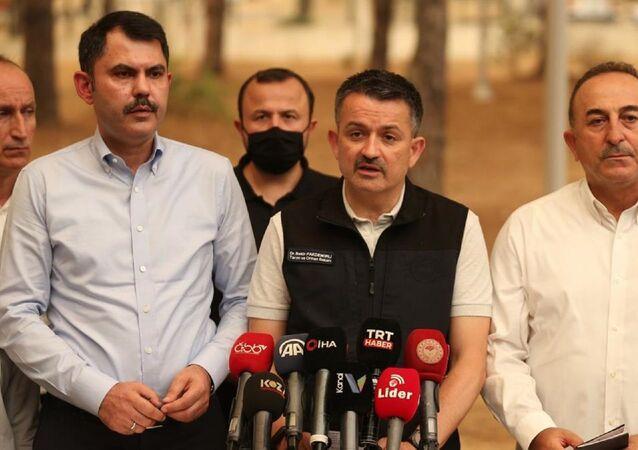 Çevre ve Şehircilik Bakanı Murat Kurum, Dışişleri Bakanı Mevlüt Çavuşoğlu ile Tarım ve Orman Bakanı Bekir Pakdemirli