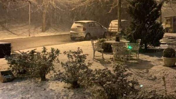 Brezilya'da sıcaklık eksi 10 dereceye düştü, sokaklar beyaza büründü - Sputnik Türkiye