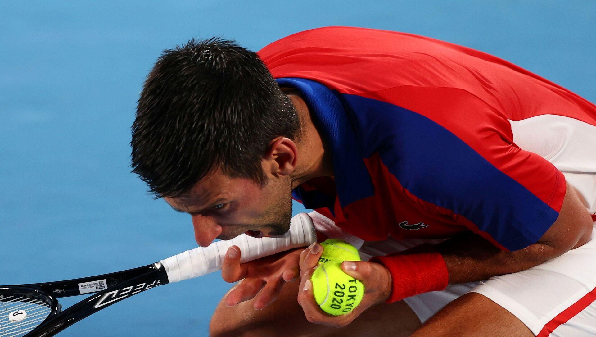 Novak Djokovic, Tokyo Olimpiyatı yarı finallerinde Alexander Zverev'e elendi - Sputnik Türkiye, 1920, 30.07.2021