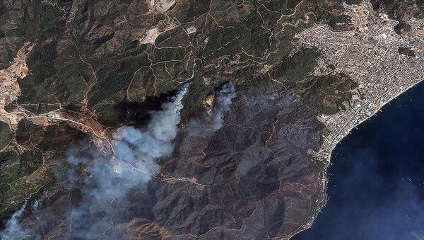 Göktürk uyduları, Manavgat ve Marmaris'teki orman yangınlarını uzaydan görüntüledi - Sputnik Türkiye