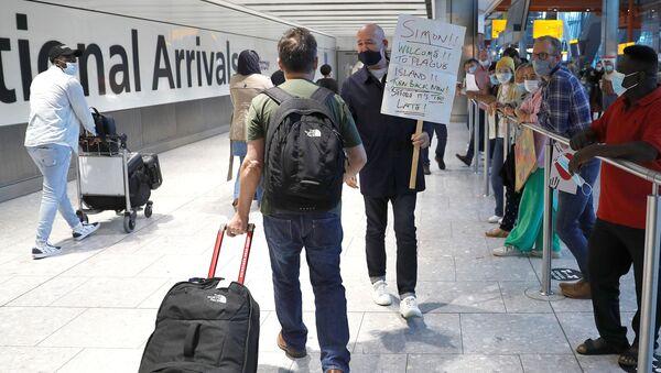İngiltere- Havalimanı- Koronavirüs - Sputnik Türkiye