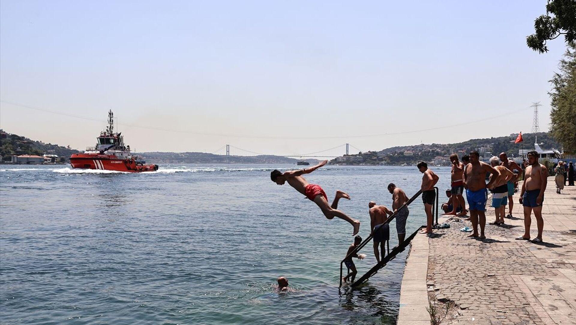 İstanbul'da aşırı sıcak hava - Sputnik Türkiye, 1920, 02.08.2021