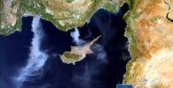 Avrupa Birliği'nin DEFIS uydusu tarafından çekilen görüntüde Mersin'den Kıbrıs'a ve Antalya'dan Akdeniz'e doğru dumanların yükseldiği görüldü