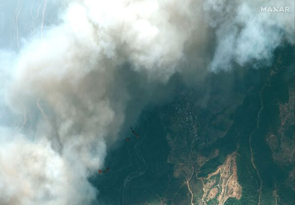 Muğla'nın Marmaris ve Antalya'nın Manavgat ilçelerindeki orman yangınlarını söndürme çalışmaları devam ediyor  - Sputnik Türkiye