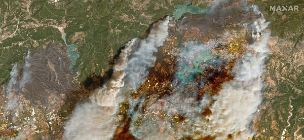 Uydu fotoğraflarında Manavgat'taki orman yangınının boyutu gözler önüne serildi - Sputnik Türkiye