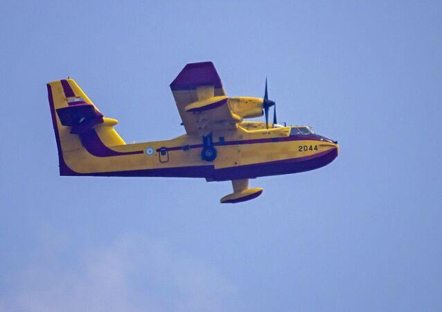 CL-415 - yangın söndürme uçağı