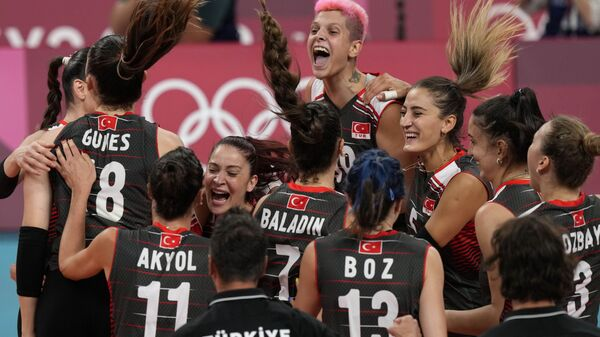 A Milli Kadın Voleybol Takımı'nın Tokyo 2020'de çeyrek finaldeki rakibi Güney Kore oldu - Sputnik Türkiye