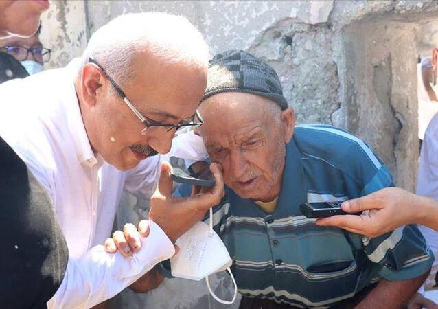 Cumhurbaşkanı Erdoğan Mersin'deki orman yangınında evi zarar gören yaşlı kişiyle telefonda görüştü