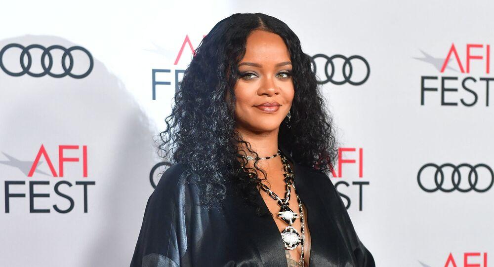 Forbes açıkladı: Rihanna resmen milyarder - Sputnik Türkiye