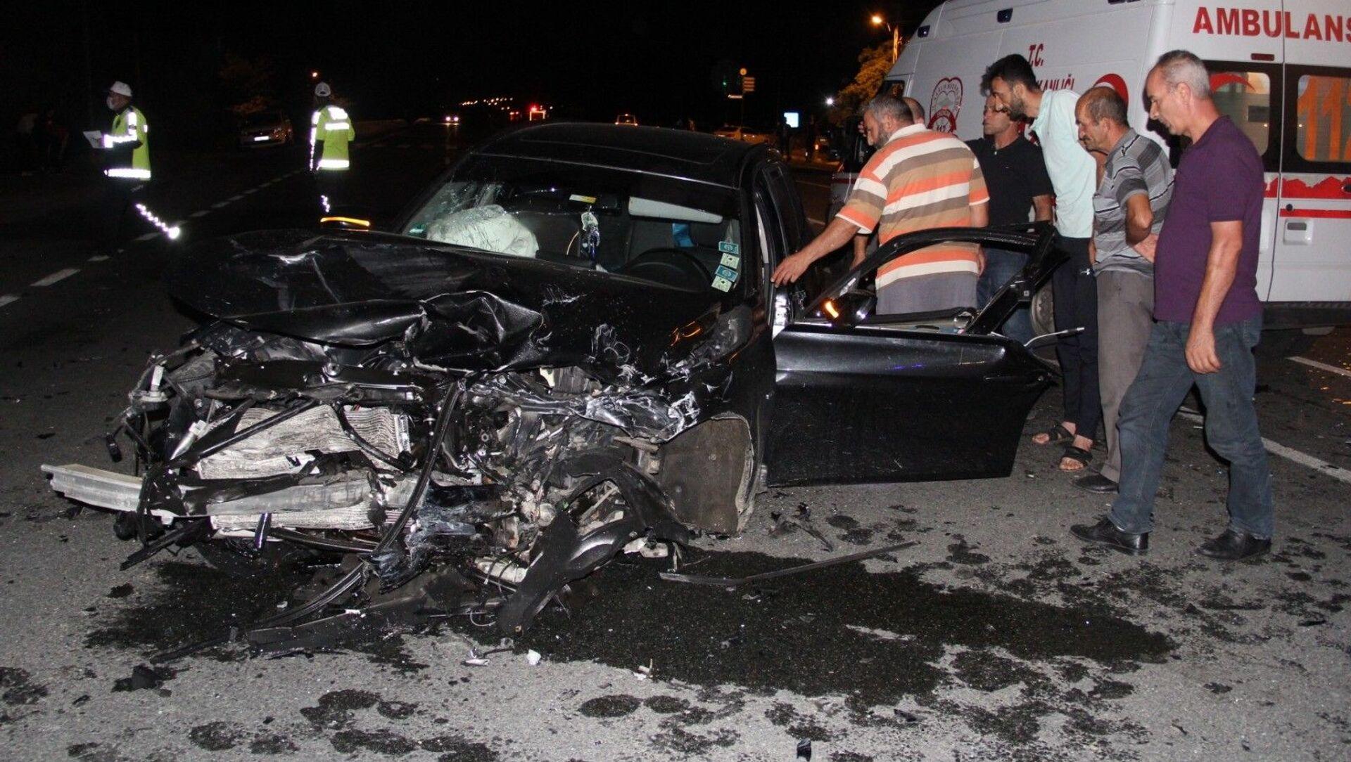 Erzincan'da meydana gelen trafik kazasında 10 aylık bebek hayatını kaybederken 7 kişi de yaralandı. - Sputnik Türkiye, 1920, 06.08.2021