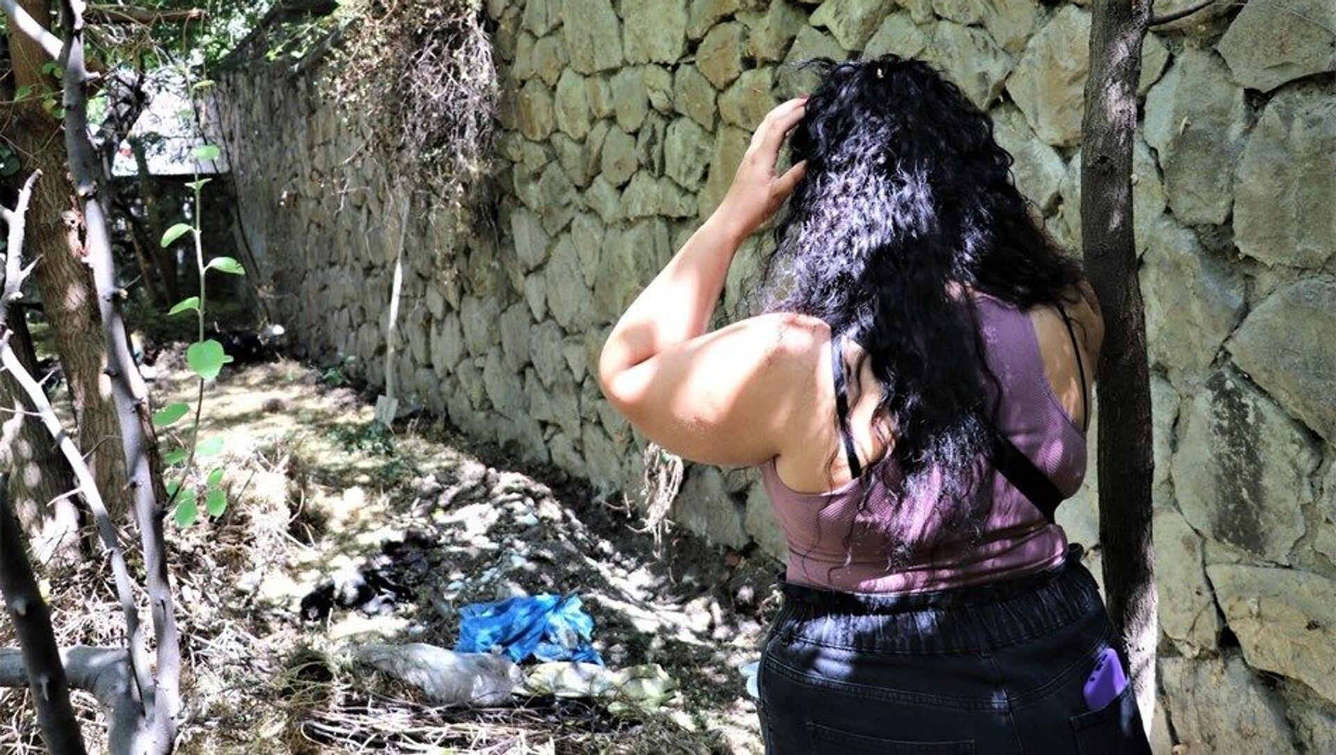 Ankara'da 55 yaşındaki bir kadının bahçesinde toprağa gömülmüş 10 ölü köpek bulundu.  - Sputnik Türkiye, 1920, 07.08.2021