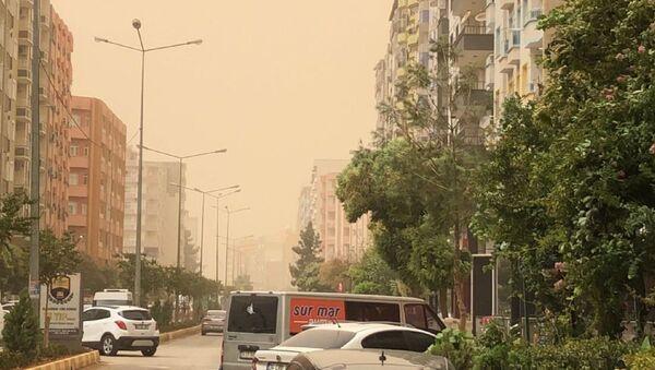Mardin'de toz fırtınası  - Sputnik Türkiye