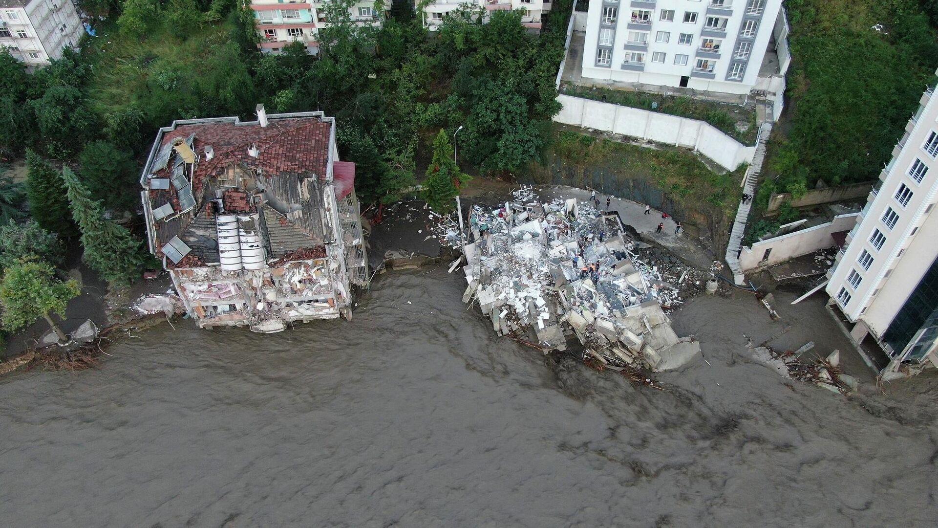 Bozkurt'taki sel felaketinin boyutu gün ağarınca ortaya çıktı - Sputnik Türkiye, 1920, 13.08.2021