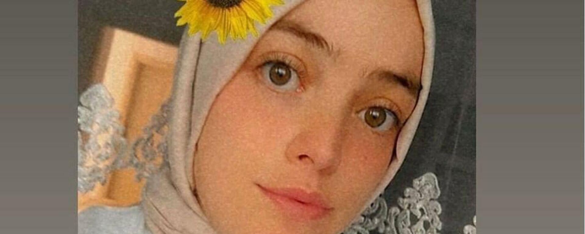 Evinin önüne 3 kez gelen aşı ekibini reddeden genç kız, koronavirüsten hayatını kaybetti - Sputnik Türkiye, 1920, 13.08.2021