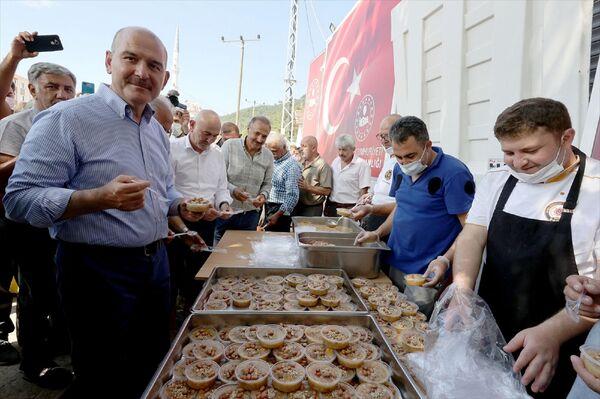 Etkinliğe eski CHP İstanbul Milletvekili Mehmet Sevigen de katıldı. - Sputnik Türkiye