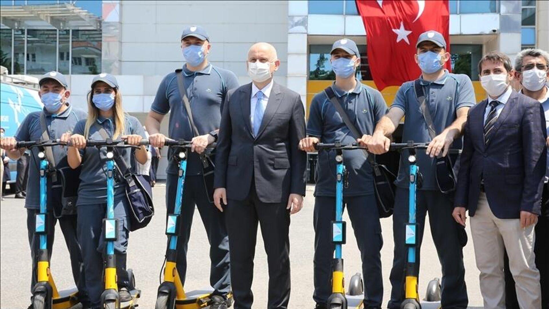 PTT'nin e-scooter'lı postacıları, Adil Karaismailoğlu - Sputnik Türkiye, 1920, 22.08.2021