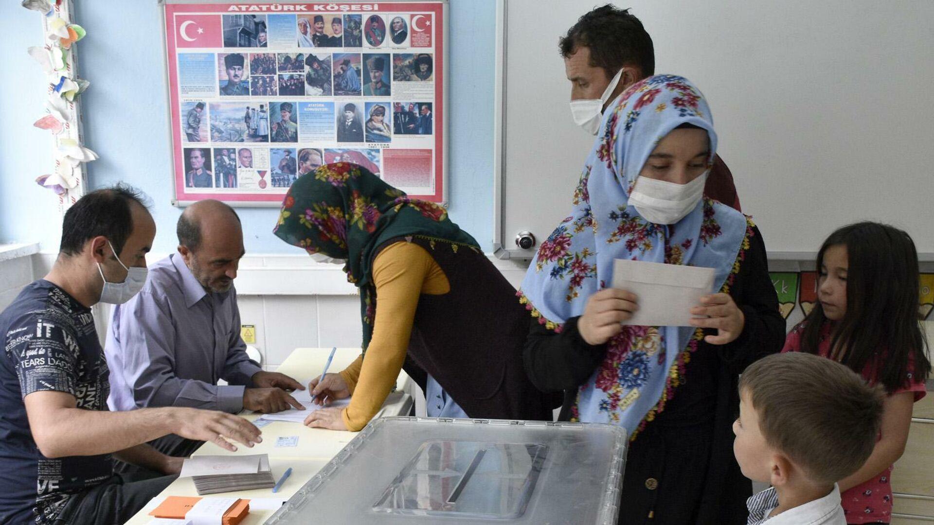 Gümüşhane'den ayrılıp Giresun'a bağlanmak isteyen 2 köyde yapılan referandumun sonucu belli oldu - Sputnik Türkiye, 1920, 04.09.2021