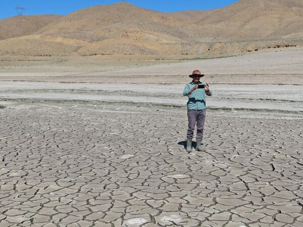 Van'ın Gürpınar ilçesi sınırları içerisinde bulunan, sulama ve enerji üretimi için kullanılan 105 milyon metreküp su kapasitesine sahip Hoşap Çayı üzerinde kurulu Zernek Barajı'ndaki su seviyesi son yılların en düşük seviyesine geriledi. - Sputnik Türkiye