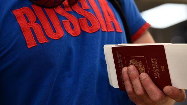 Rus turist, Türkiye, pasaport, koronavirüs - Sputnik Türkiye