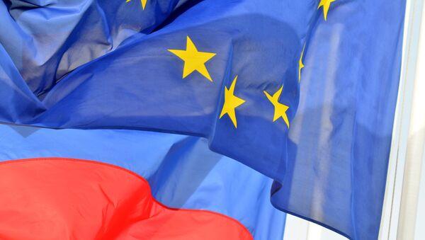 Rusya ve Avrupa Birliği bayrakları - Sputnik Türkiye