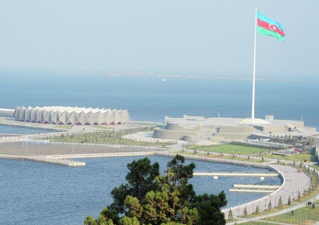 Bakü panoraması. Bayrak