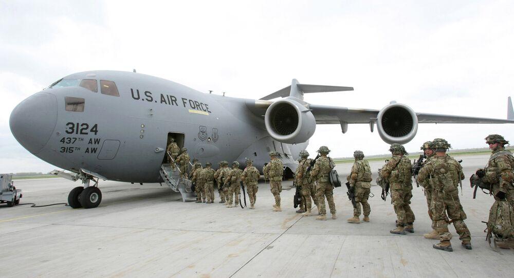 Manas bölgesinde bulunan hava askeri üssünü. Amerika