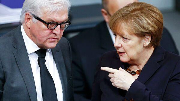 Almanya Başbakanı Angela Merkel ve Dışişleri Bakanı Frank-Walter Steinmeier - Sputnik Türkiye