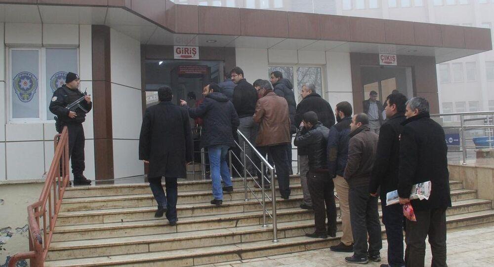 Gaziantep'te yasa dışı dinleme operasyonu: 20 polis gözaltında