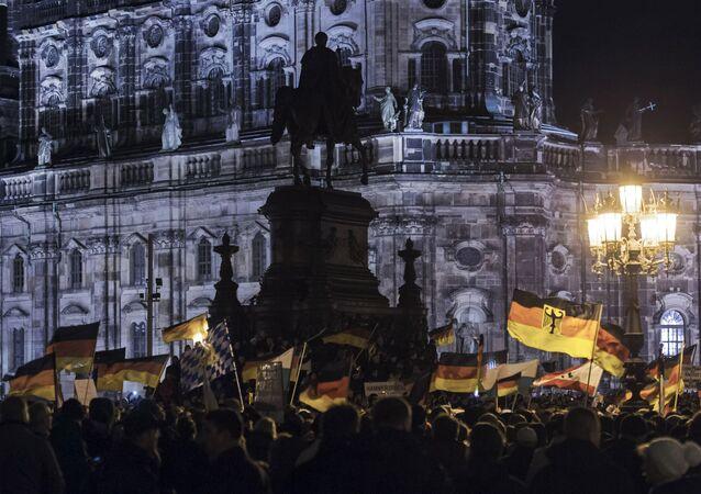 İslam ve göçmen karşıtı Pegida