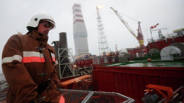 Gazprom'un petrol platformu - Sputnik Türkiye