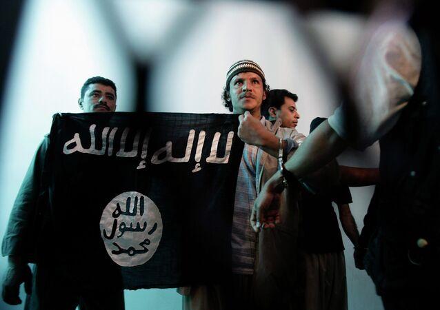 El Kaide Fransa'yı  tehdit etti