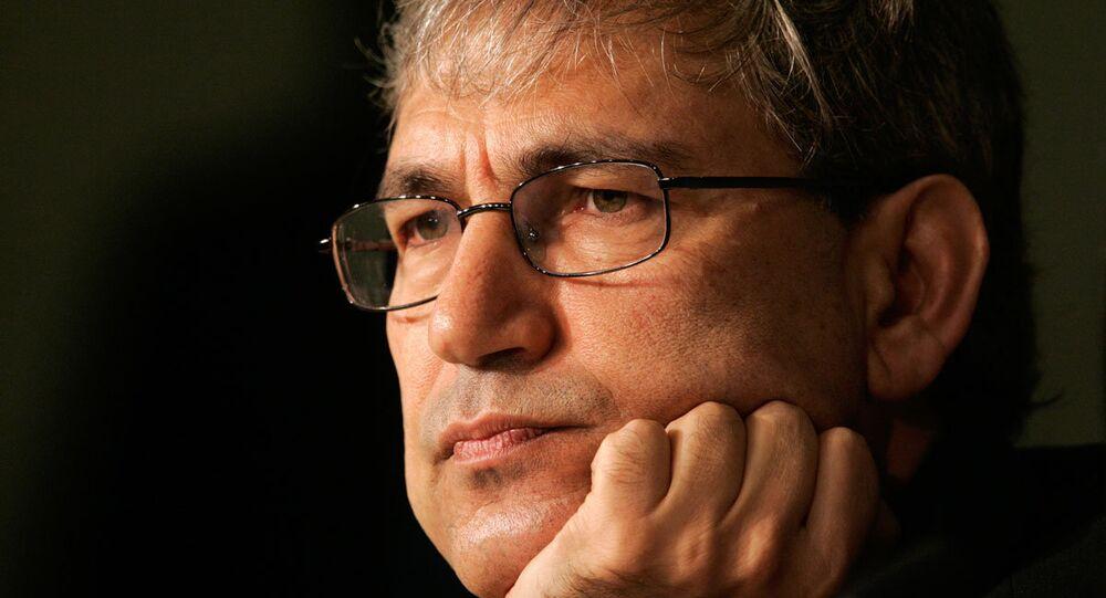Yazar Orhan Pamuk