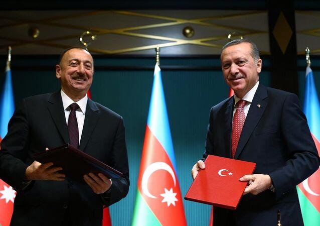 Türkiye Cumhurbaşkanı  Recep Tayyip Erdoğan ve Azerbaycan Cumhurbaşkanı İlham Aliyev