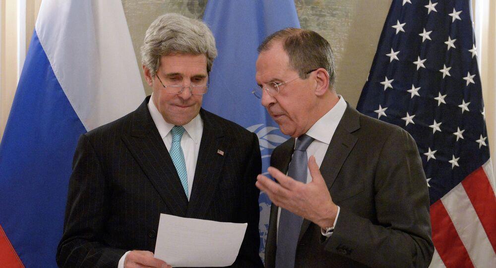 Rusya Dışişleri Bakanı Sergey Lavrov' ve ABD Dışişleri Bakanı John Kerry
