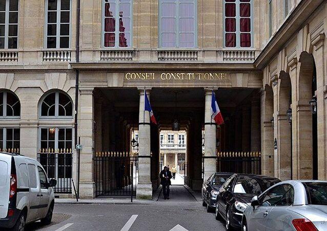 Fransa'da terör suçlusu vatandaşlıktan atılacak