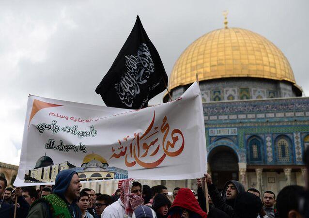 Mescid-i Aksa cemaati, Kral Abdullah'ı öven imama saldırdı