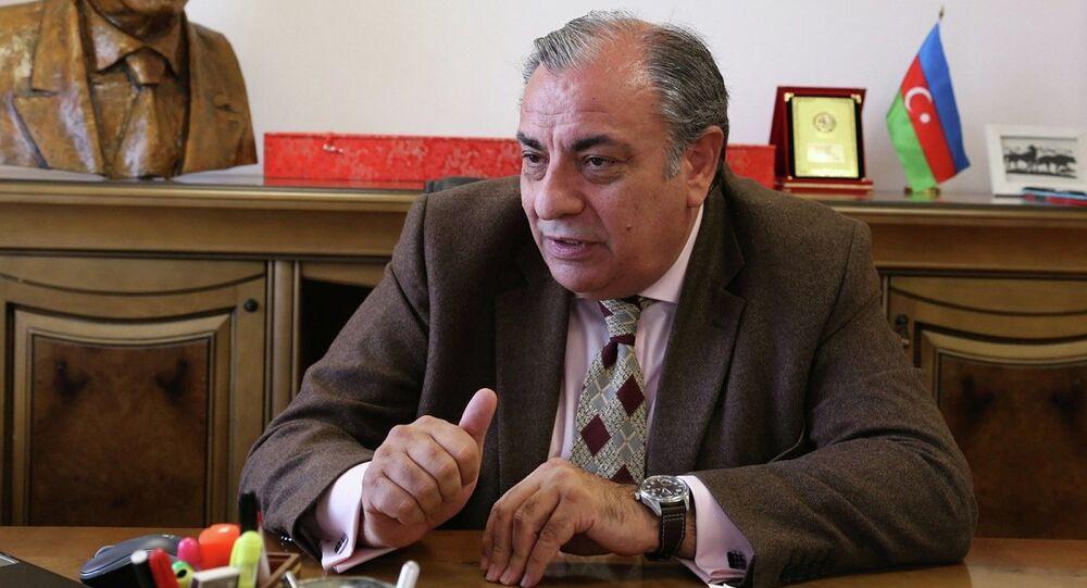 MHP'li Tuğrul Türkeş, Cumhurbaşkanı'nın yurtdışı seyahatlerinde gündemi yakalamak için her zaman enteresan konular bulduğunu söyledi.