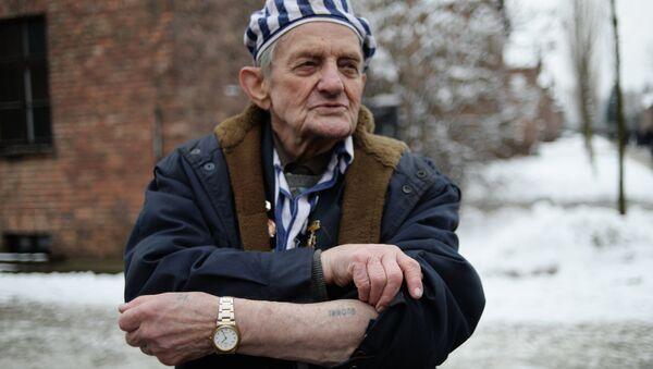 Auschwitz toplama kampında tutulanların kurtarılmasının 70. yıldönümü - Sputnik Türkiye