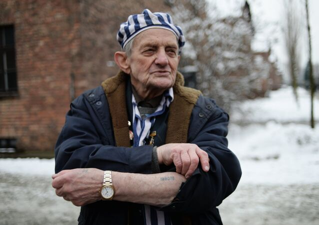 Auschwitz toplama kampında tutulanların kurtarılmasının 70. yıldönümü