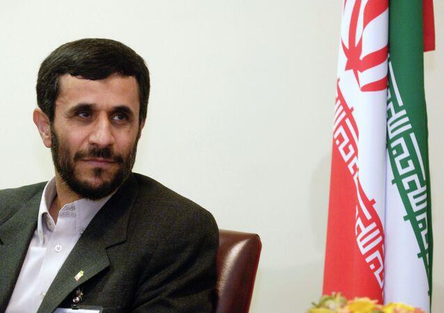 İran İslam Cumhuriyeti'nin altıncı cumhurbaşkanı Mahmud Ahmedinejad