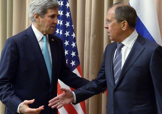 ABD Dışişleri Bakanı John Kerry ve Rusya Dışişleri Bakanı Sergey Lavrov