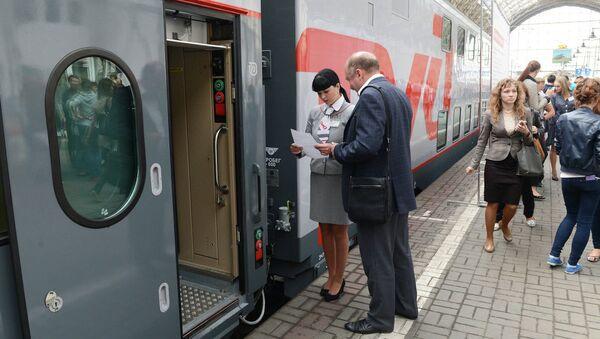 Rusya ve St. Petersburg arasında yeni model çift katlı trenler hizmete giriyor. - Sputnik Türkiye