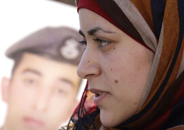 IŞİD'in yakarak öldürdüğü Ürdünlü pilot Muaz Kesasibe'nin eşi Enver el Tavarneh